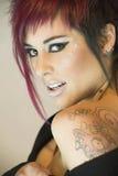 татуирует женщину whit Стоковое Фото