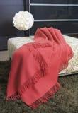 тахта одеяла сверх стоковая фотография