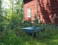 Тачка в шведской сельской местности стоковые изображения