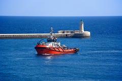 Тащите шлюпка в грандиозной гавани, Валлетта Стоковая Фотография RF