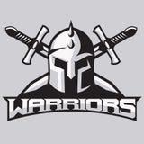 Талисман ратника для команд спорта Шлем с шпагами, логотип, символ на светлой предпосылке Стоковые Изображения RF