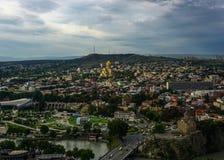 Тбилиси осветил собор Sameba правоверный стоковое изображение rf