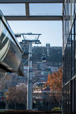 ТБИЛИСИ, GEORGIA - 3-ЬЕ ЯНВАРЯ 2016: Автомобиль кабеля для воздушных линий Тбилиси Стоковые Изображения RF