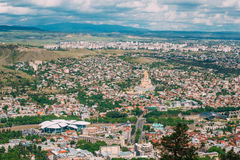 Тбилиси Georgia Воздушный панорамный взгляд города с известным ориентир ориентиром Стоковые Изображения RF