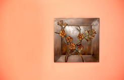Творение искусства от металла на стене Стоковое Изображение