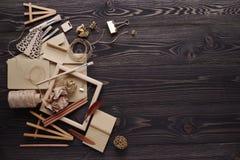 Творение сообщений подарка handmade от экологических материалов стоковое фото