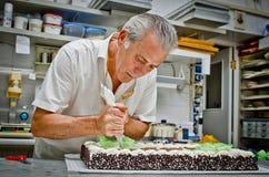 Творение торта венчания Стоковое Фото