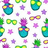 Творческая безшовная картина от красочных ананасов, солнце Стоковые Изображения