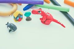 Творческая глина динозавра, кита, дома и дерева моделирует Тесто игры Стоковая Фотография RF
