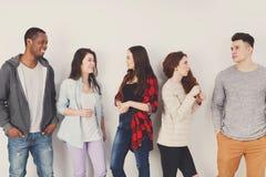 Творческая команда, молодые вскользь бизнесмены Стоковая Фотография RF