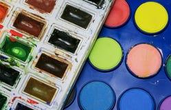 Творческая предпосылка от комплектов ярких акварелей o красок стоковая фотография