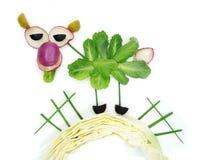 Творческая смешная vegetable закуска с огурцом Стоковая Фотография