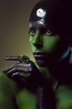 Творческая съемка с зеленым bodyart стоковое фото rf