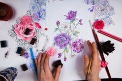 Творческая таблица эскизов чертежа художника Стоковая Фотография RF