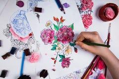Творческая таблица эскизов чертежа художника Стоковая Фотография