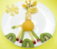Творческая форма жирафа десерта ребенка плодоовощ Стоковое фото RF