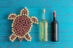 Творческая художническая морская черепаха сформированная пробочек вина Стоковые Фото
