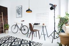Творческий интерьер комнаты стоковое фото rf