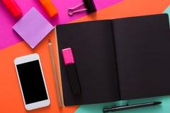 Творческий минимальный дизайн - плоское положение места для работы Стоковое Фото