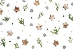 Творческое расположение с орнаментами рождества на белом Backgroun Стоковые Изображения RF