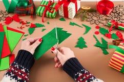 Творческое diy хобби Handmade орнамент рождественской елки войлока Стоковое фото RF