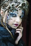 творческо составьте женщину большая яркая отливка подрезывая удлиненную сеть паука тени тайны лунного света венчика гибкостей пир стоковые изображения rf
