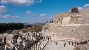 Театр древнего города Ephesus на ноябре на солнечном дне, Турция Timelapse видеоматериал