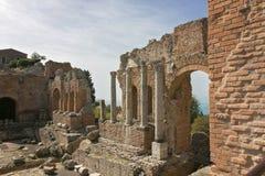 Театр древнегреческия Taormina, Сицилии, Италии 17-ое апреля 2018 стоковое фото