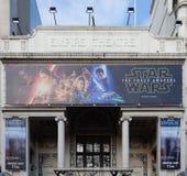 Театр империи показывая Звездным войнам VII Стоковое Фото
