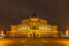 Театр оперы Дрездена на ноче Стоковое Изображение