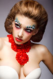 Театр. Первоклассная женщина с сказовым Stagy цветастым составом. Фантазия стоковая фотография