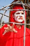 Театр улицы раскройте представление костюмированное улицей молодых актеров стоковая фотография rf