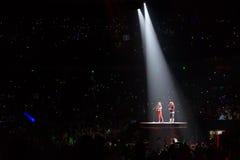Тейлор стремительный и Ed Sheeran в концерте Стоковые Фото