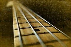 Текстура басовой гитары в дожде стоковая фотография rf