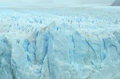 Текстура верхней части и стороны ледника Perito Moreno стоковая фотография