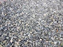 Текстура: гравий задавленный штрафом Художнические сбросы от природных объектов Малые белые камни мела стоковое изображение
