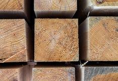 Текстура деревянного конца-вверх квадратного бара предпосылки бежевая естественная стоковые фотографии rf