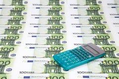 Текстура 100 евро и калькуляторов Стоковые Фото