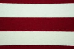 Текстура красного цвета и белых striped холста Стоковые Изображения RF