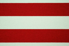 Текстура красного цвета и белых striped холста Стоковые Изображения