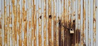 Текстура металла с padlock и цепью стоковое изображение rf