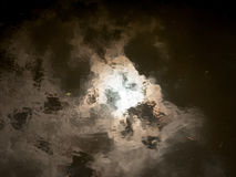 Текстура неба абстрактной и неясной воды поверхностная отражая Стоковое Изображение