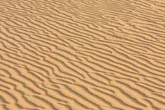 текстура песка предпосылок идеально Согнутая волна дуновения ветра Стоковые Фотографии RF