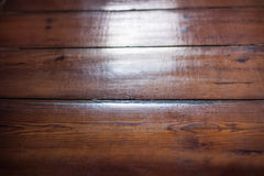 Текстура пола деревянных доск с солнцем освещает от окна Gl Стоковые Изображения RF