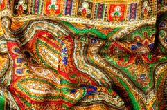 Текстура, предпосылка, картина Головной платок женщины, шаль Яркий c Стоковые Фотографии RF
