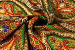 Текстура, предпосылка, картина Головной платок женщины, шаль Яркий c Стоковые Фото