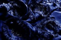 Текстура, предпосылка, картина С зашитыми картинами bluets Silk cha стоковая фотография rf