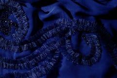 Текстура, предпосылка, картина С зашитыми картинами bluets Silk cha стоковое изображение