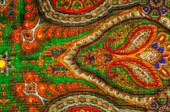 Текстура, предпосылка, картина Шаль женщины, шаль яркий цвет Стоковые Изображения