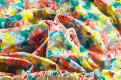 Текстура, предпосылка, картина Юбка ` s девушки Silk ткань с flo Стоковые Фото